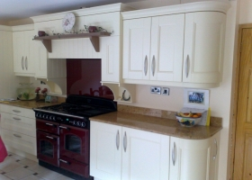 Slipped Shaker Painted Cream with Brown Flecked Granite