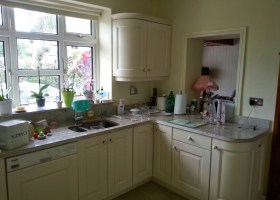 Solid Oak Painted Cream Kitchen