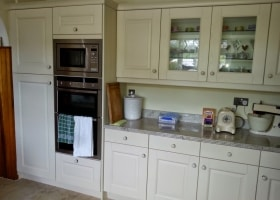 Solid Oak Painted Cream Kitchen